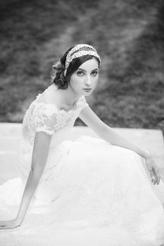 {Contessa Luxe Silver} Photographer: Millie B Photography / Veils, Headpieces and Accessories: Liv Hart For Sophie Hallette / Make Up and Hair Artist: Magda Nyitray / Floral Design: Kristin Polhemus at Reverie Events / Wedding Gowns: Sareh Nouri / Shoes: Aruna Seth / Location: The Ashford Estate
