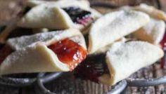 Pizzicati Italian Cookies + 30 Cookie Recipes - An Italian in my Kitchen Italian Easter Cookies, Italian Almond Cookies, Italian Cookie Recipes, Easy Cookie Recipes, Italian Desserts, Italian Foods, Italian Entrees, Cake Recipes, Dessert Recipes