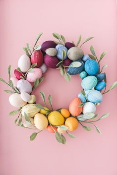 DIY: rainbow easter egg wreath