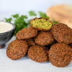 Lucys Famous Falafel - Falafel is an iconic street food &appetizer. This Lebanese recipe uses both chickpeas and fava beans loaded with protein and nutrients. Recipes Using Baked Beans, Bean Recipes, Fava Bean Falafel Recipe, Appetizer Recipes, Appetizers, What Are Organic Foods, Fava Beans, Chickpea Recipes, Lebanese Recipes