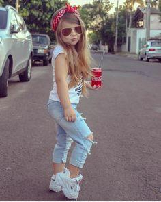 😍😍Olha essa pose, vê se eu aguento! 😍😍 . 👛 Quer aprender como se vestir bem gastando pouco? Sigam ➡️ @maisestilosa . #maisestilosa…
