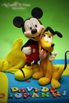mickey and pluto...1 by Antonella Di Maria Torte & Design (12/13/2012)  View details here: http://cakesdecor.com/cakes/39955