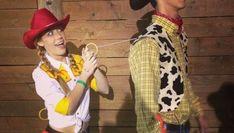 Alice in Wonderland-kostuums en doe-het-zelf-ideeën - Elizabeth Sprag Alice in Wonderland Costumes and DIY Ideas Alice in Wonderland Costumes and DIY Ideas 2017 Share your vote! Superhero Halloween Costumes, Couple Halloween Costumes For Adults, Witch Costumes, Boy Costumes, Halloween Party Costumes, Halloween 2017, Mermaid Costumes, Pirate Costumes, Costume Ideas