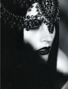♥Bejewelled - black lipstick