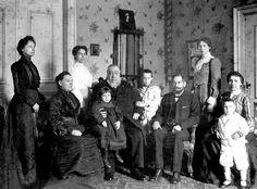 President Kruger and his Family in 'Oranjelust', Utrecht, Netherlands Germanic Tribes, The Settlers, Inner World, Folk Music, Zulu, African History, Utrecht, East London, Rock Art