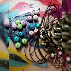 Todo listo para montar losnuevos collares www.facebook.com/bycosmicgirl