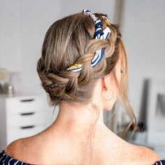 How to Braid: 50 Actually Cool (We Swear) Braid Tutorials for Beginners in 2020 🎀 🎥 - peinados - frisuren Braided Hairstyles Tutorials, Scarf Hairstyles, Easy Hairstyles, Braid Tutorials, Nurse Hairstyles, Braided Crown Hairstyles, 5 Minute Hairstyles, Braided Updo, Hairdos