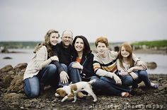 poses for families with older children, family photography posing teenagers
