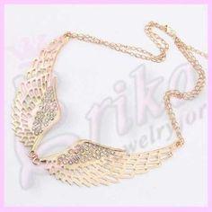 http://jewelrybijouxforerika.it/prodotti/collana-ali-dorate-con-brillanti-luminosi-angelo
