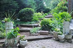 20 Recycled Garden Planters: Create a Garden Full Of Character Concrete Planters, Garden Planters, Cheap Planters, Landscaping Tips, Garden Landscaping, Sloped Garden, Recycled Garden, Traditional Landscape, Cool Landscapes