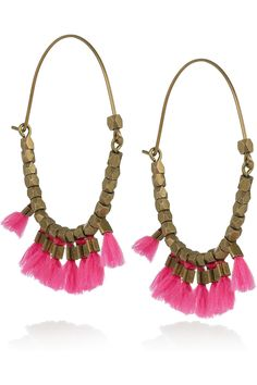 These little tassels are super cute. Tassels will be a thing this summer...I'm working on a red necklace and some peacock-blue earrings. Suuuper cute!