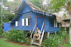 Paradies meets Wunschkunden – Reisebroschüren von Anett haben Fernweh-Garantie Shed, Outdoor Structures, House Styles, Paradise, Barns, Sheds