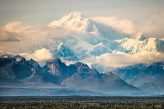 McKinley? Denali? Whatever you wanna call it, it's HUGE. [OC] [1920x1280]: EarthPorn