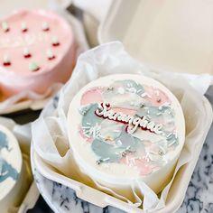 Pretty Birthday Cakes, Pretty Cakes, Beautiful Cakes, Mini Tortillas, Birthday Cake Singapore, Cake For Boyfriend, Korean Cake, Pastel Cakes, Funny Cake