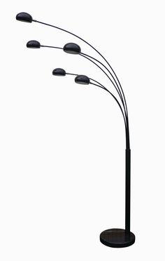 Lampa Zodiac Zuma Line doskonale prezentuje się nie tylko w salonach, ale także w kawiarniach i ekskluzywnych butikach oraz sklepach.