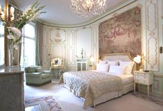 Interior decoration inspired by rococo forWindsor Suite in Ritz Paris