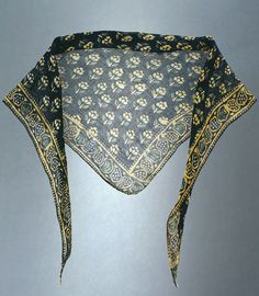Mouchoir de tête/scarf, c2/3Q 18th century found on Museon Arlaten…