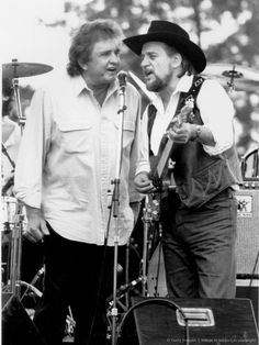 Love Outlaw country, Merle, Johnny, Waylon my faves. Country Musicians, Country Music Artists, Country Singers, Johnny Cash June Carter, Johnny And June, Best Country Music, Country Music Stars, Outlaw Country, Country Boys