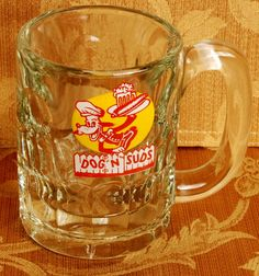 A great mug of root beer on a hot summer night 70s Makeup, Retro Food, Back In My Day, Antique Show, Retro Recipes, Oldies But Goodies, I Remember When, Ol Days, Nice Cars