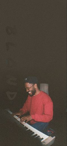 Frank Ocean Wallpaper, Rap Wallpaper, Aesthetic Iphone Wallpaper, Aesthetic Wallpapers, Bedroom Wall Collage, Photo Wall Collage, Picture Wall, Print Pictures, Cool Pictures