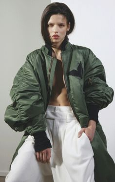 Oversize bomber, Novembre, S/S 2013 Liza Schwab by Nicolas Coulomb Long Bomber, Juun J, V Instagram, Vogue, Oversized Jacket, Mode Inspiration, Editorial Fashion, Camouflage, Sportswear