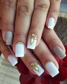 Wedding Nails-A Guide To The Perfect Manicure – NaiLovely Fancy Nails, Bling Nails, Trendy Nails, Black Nails With Glitter, Glitter Nails, Gel Nails French, French Manicures, Bridal Nail Art, New Nail Designs