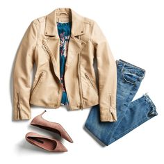 The color of the jacket is cute. Would like darker jeans, and booties instead of heels Floral Blouse Outfit, Black Jeans Outfit, Light Wash Jeans, Fix Clothing, Stitch Fit, Stitch Fix Outfits, Stitch Fix Stylist, Work Casual, Cute Fashion