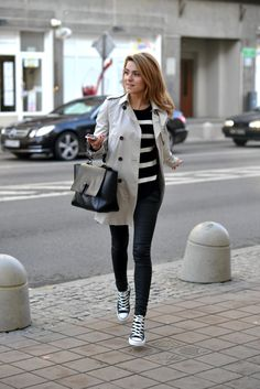 Stylish Women Spring Outfits to Wear with Converse 27 Converse Haute, Converse Sneakers, Black Chucks, White Converse, Converse Classic, Black Chuck Taylors, Spring Outfits Women, Ladies Outfits, Trendy Outfits