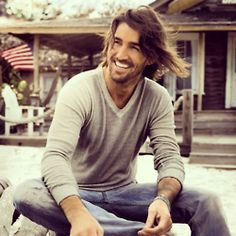 I am so in love with Jake Owen now.
