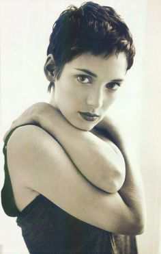 winona ryder. Love her hair