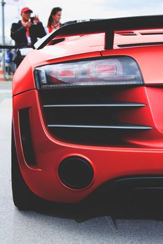 Why am I so madly in love with the Audi GT Sexy Cars, Hot Cars, Car Pinata, Audi R8 Gt, Race Car Themes, Fast Sports Cars, Mens Toys, Latest Cars, Expensive Cars