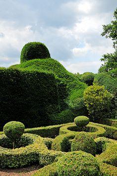 .Hedge Garden