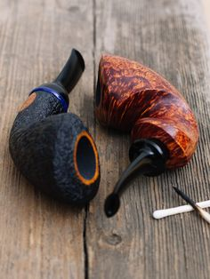 No its still not Friday but maybe these fresh pipes from Former Yeti and Steve Liskey will make your Thursday a little more bearable. http://smokingpip.es/2jbxH2H
