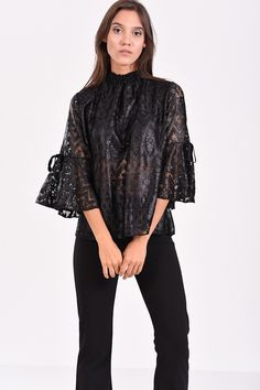61 Best Γυναικείες μπλούζες   tops   πουκάμισα images 57f14656976