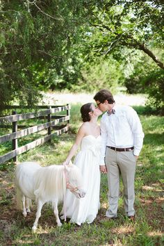 barn wedding inspiration   Amanda Watson   Glamour & Grace