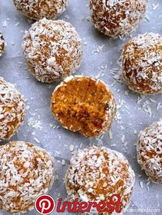 No-Bake Carrot Cake Bites – Paleo in PDX Sometimes, you want cake, but don't want to buy special ingredients to make it or have an entire cake in your house. Well, you can have your cake and eat it too with these scrumpt… Paleo Dessert, Dessert Recipes, Delicious Desserts, Cake Recipes, Easter Snacks, Easter Recipes, Fruit Snacks, Easter Treats, Dessert Simple