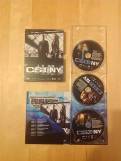 Vendo a soli 7,50 € + spese di spedizione Cofanetto DVD CSI:NY stagione  1 - 1a parte - Audio Ita/Eng - 13 episodi + contenuti speciali. Consegna a mano solo zona Arezzo.