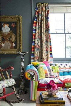 Colorful Living Room Decoration Ideas | Decorazilla Design Blog