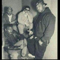 Heavy D chilling with G Rap, Big Daddy Kane & Grand Puba. 80s Hip Hop, Hip Hop Art, I Love Music, Good Music, Kool G Rap, East Coast Hip Hop, Big Daddy Kane, Hip Hop Classics, Tv Show Music