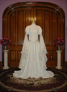 renaissance wedding gown @texasrenaissancefestival