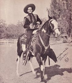 Duncan Renaldo as The Cisco Kid, and Diablo Old Western Actors, Western Movies, Tv Westerns, Real Cowboys, Cowboys And Indians, Cowboy Pictures, Golden Age Of Hollywood, Hollywood Stars, Old Tv Shows