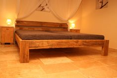 Balkenbett aus alter rustikaler Eiche von Bootssteg Möbel auf DaWanda.com …