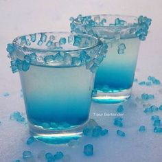 ▃▃▃▃▃▃▃▃▃▃▃▃▃▃▃▃▃▃▃▃ ARCTIC CRYSTAL DROPS  Rim shot glasses with Corn Syrup and Sugar Crystals 1 oz. (30 ml)Green Apple Ciroc 1 oz. (30 ml) Malibu 1 oz. (30 ml) Coconut Water 1/2 oz. (15 ml) Lime Juice  Instagram Photo Credit: @mystiquelyrogue  Post your original recipe and photo on Instagram using #TipsyBartender and we will repost the best ones. Each month, the pics with most likes wins $300, 2nd Place $200, 3rd Place: $100.  #drinkporn #cocktail #foodporn #liquor #alcohol #booze #club…