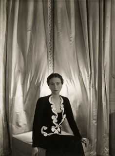 Wallis Simpson aka the Duchess of Windsor photographed by Cecil Beaton Wallis Simpson, Windsor, Elsa Schiaparelli, Vogue, Vanity Fair, Cecil Beaton, Edward Viii, English Fashion, Old Money