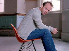 Hugo Weaving Hugo Weaving, Outdoor Chairs, Outdoor Furniture, Australian Actors, Rocking Chair, Actors & Actresses, Beautiful Men, Aussies, Home Decor