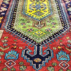 HAMADAN Rugs are easily recognizable by their repeated geometrical patterns and size. This old Hamdan rug is very attractive in the current market because it is handmade with natural dyes which is becoming more and more rare in the manufacturing of rugs. Visit our showroom and online collection to see great antique modern and traditional designs! . . . #BluePaisley #Home #HomeDecor #HomeDesign #Design #Designer #Carpets #Rugs #RugLove #Antique #Vibrant #Colourful #InteriorDesign…