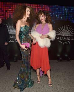 Que tal os looks de Amal Clooney e @cindycrawford para a festa de #Halloween Casamigos em Los Angeles? As duas entraram na vibe das divas dos anos 1970 para compor a produção. #moda via MARIE CLAIRE BRASIL MAGAZINE OFFICIAL INSTAGRAM - Celebrity  Fashion  Haute Couture  Advertising  Culture  Beauty  Editorial Photography  Magazine Covers  Supermodels  Runway Models