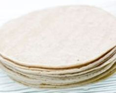 Pâte à wraps ou tortilla facile Veggie Recipes, Mexican Food Recipes, Healthy Recipes, Paninis, Pate A Tacos, Taco Wraps, Bread And Pastries, Wrap Sandwiches, Food Humor