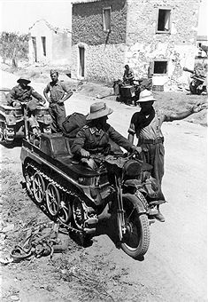 2.WW, North Africa, war theater (Africa campaign) german Africa Korps Feb.41-May43: Two german Luftwaffe-soldiers on tracked motorcycles (Kettenkrad NSU /Sdkfz 2) ) in the Cyrenaika. Pin by Paolo Marzioli