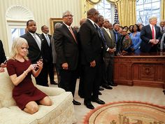 Kellyanne Conway Kneels On Oval Office Couch For Trump's HBCU Photo (PHOTOS)